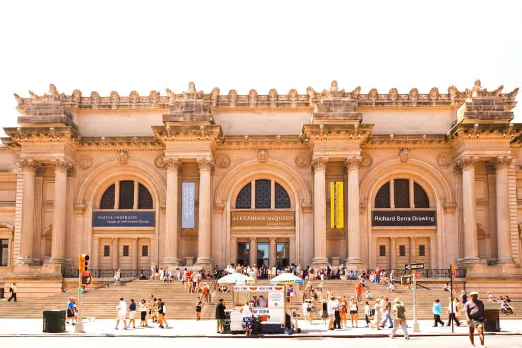 The exterior of the MET (metropolitan museum of art). One of the many cool museums in NYC.