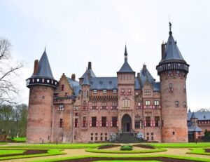 Kasteel de Haar is a charming castle in the Netherlands that is a great day trip from Amsterdam.