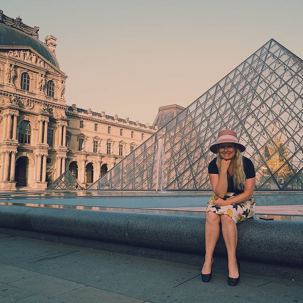 To get this shot at the Louvre, I had to wake up at 5:00 am. So be prepared to wake up early if you plan to spend part of the summer in Paris.