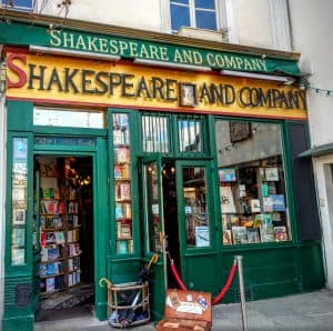 Shakespeare and Company is my favorite bookstore in Paris and probably one of my favorite bookstores in the world too.