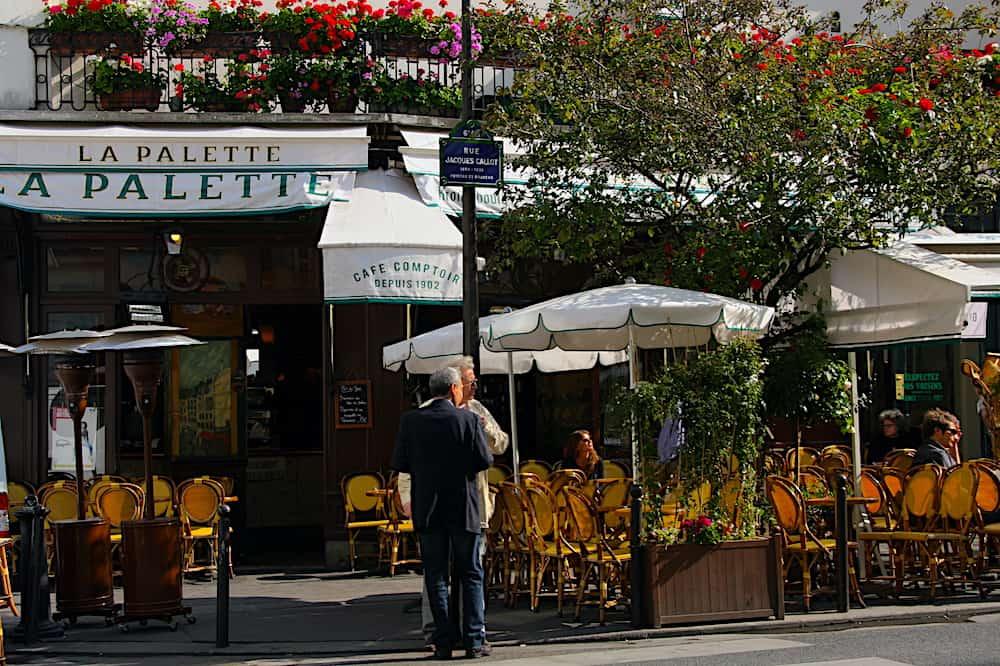 The quiet exterior of La Palette, one of the most famous cafes in Paris.