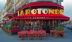 The suave and sophisticated beauty of La Rotonde brasserie in Paris.