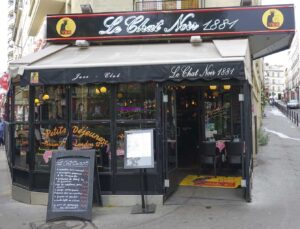 Le Chat Noir is without a doubt, one of the most famous cafes in Paris.