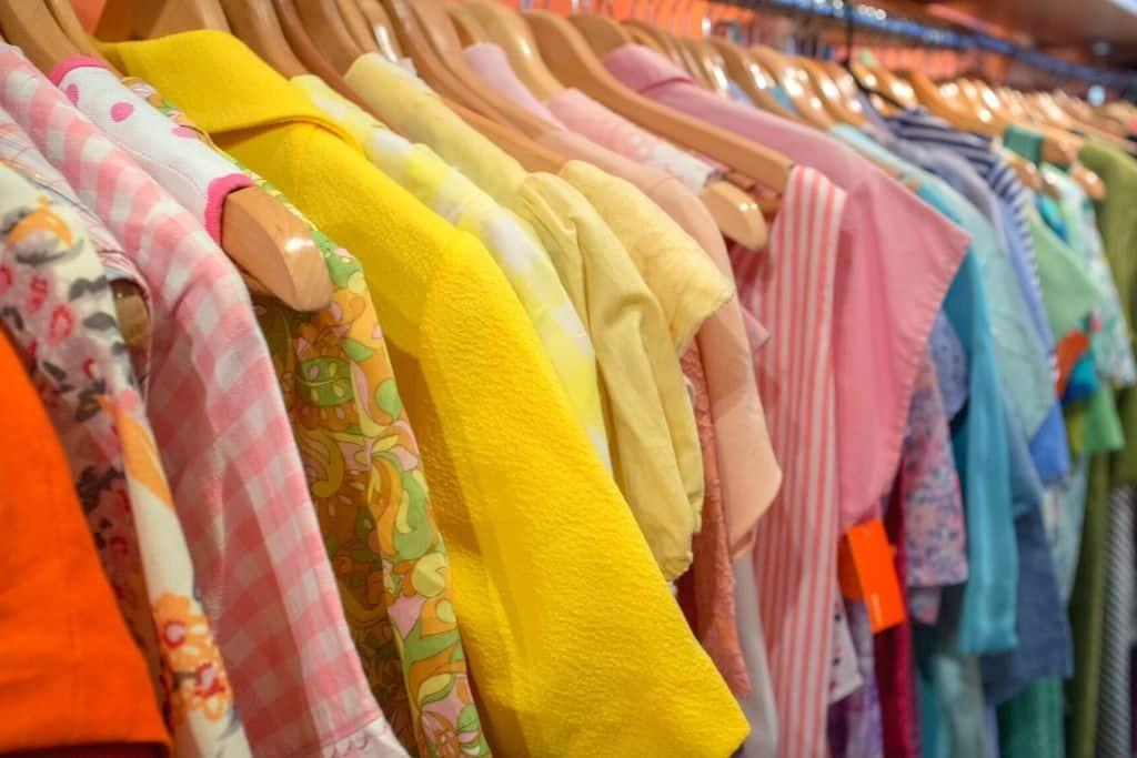 Vintage clothes at AuH20