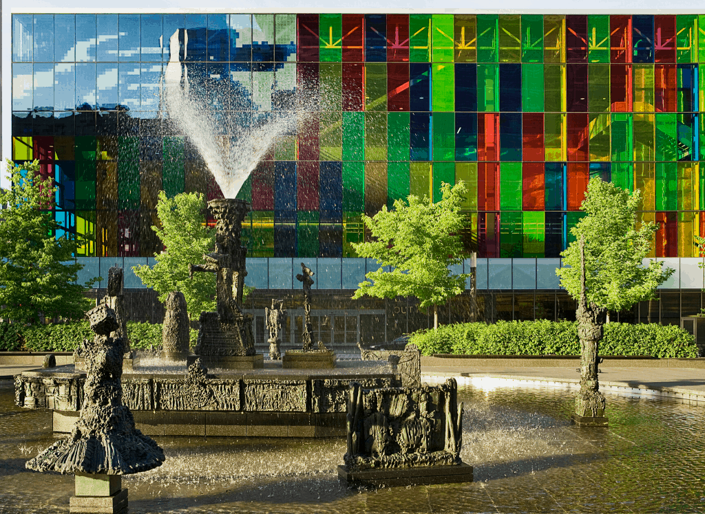 The multi-colored, super quirky exterior of Paris's eclectic, Paris de Tokyo.