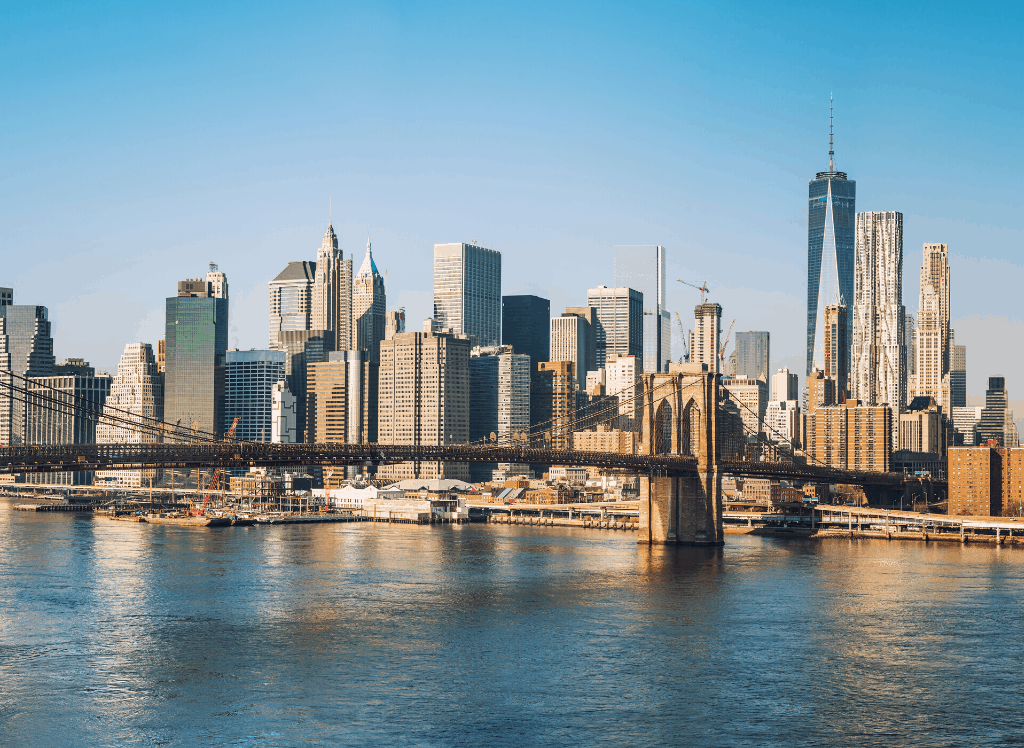 A view of the Manhattan skyline and the Brooklyn Bridge from Brooklyn.
