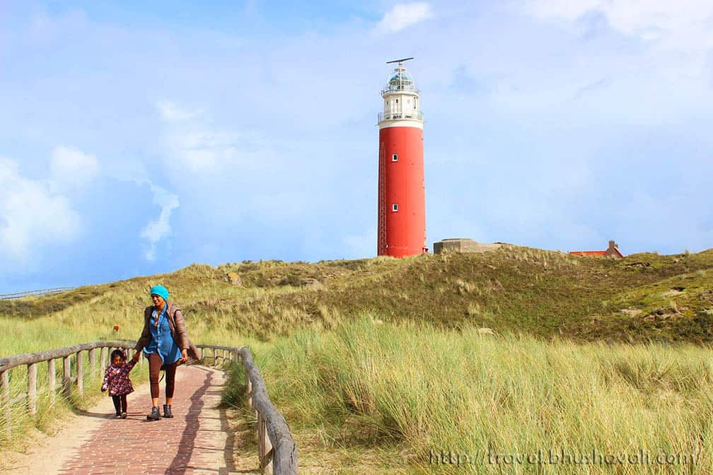 The picturesque, red lighthouse that you'll find in Cocksdorp, the northernmost point of the island.