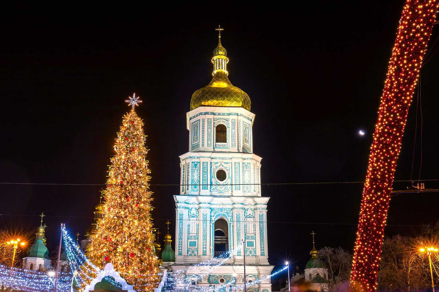 The beautiful Christmas Market you'll find in Kontraktova Square in Kiev, Ukraine.