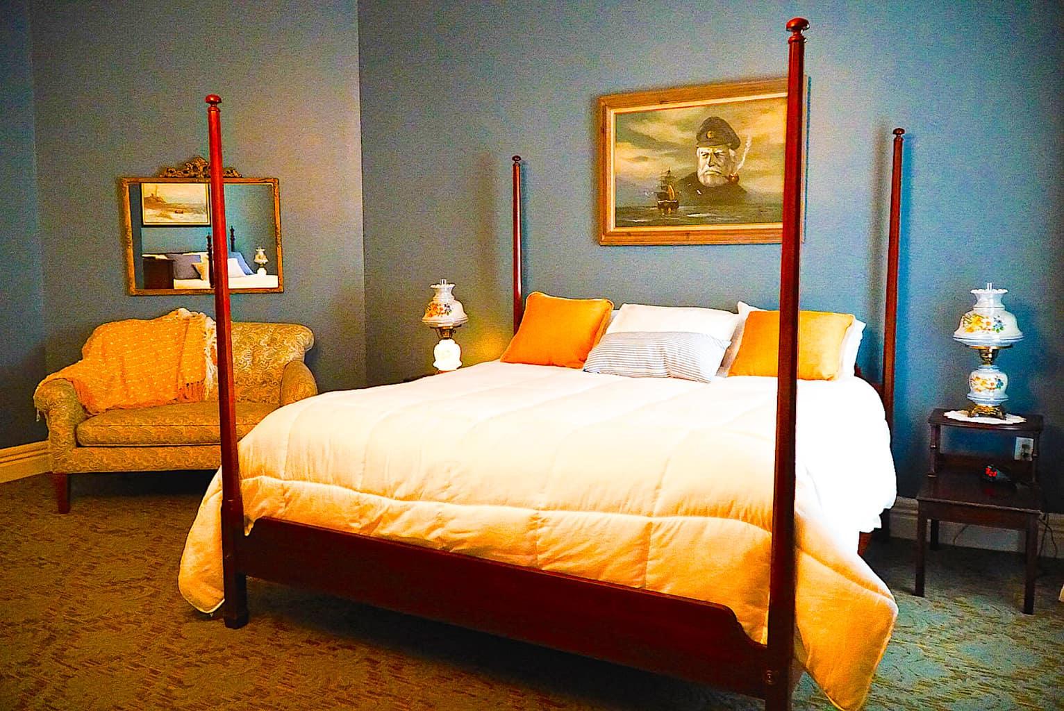 Room inside the Broadalbin Hotel near Saratoga Springs