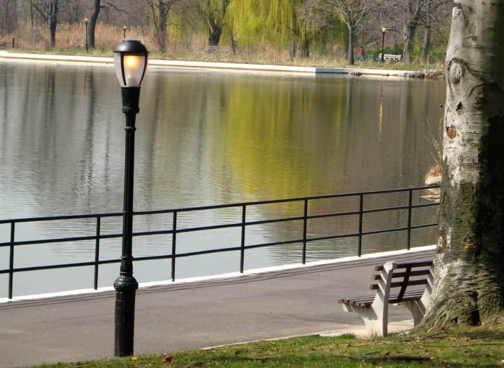 The lake at Kissena Park.