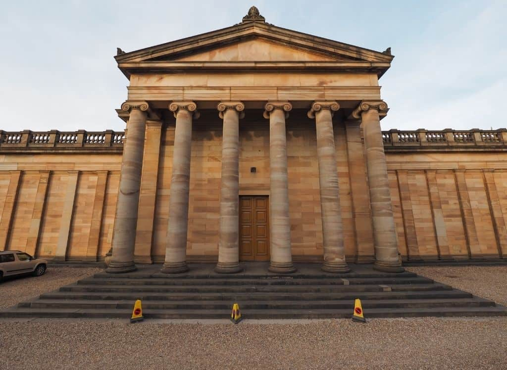 The imposing exterior of the Scottish National Gallery with it's various columns.