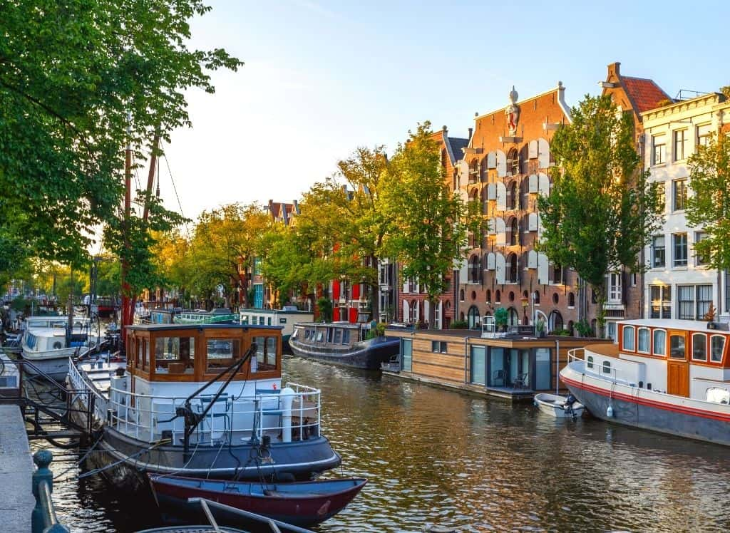 The picturesque houses that line the Brouwersgracht canal in Amsterdam!