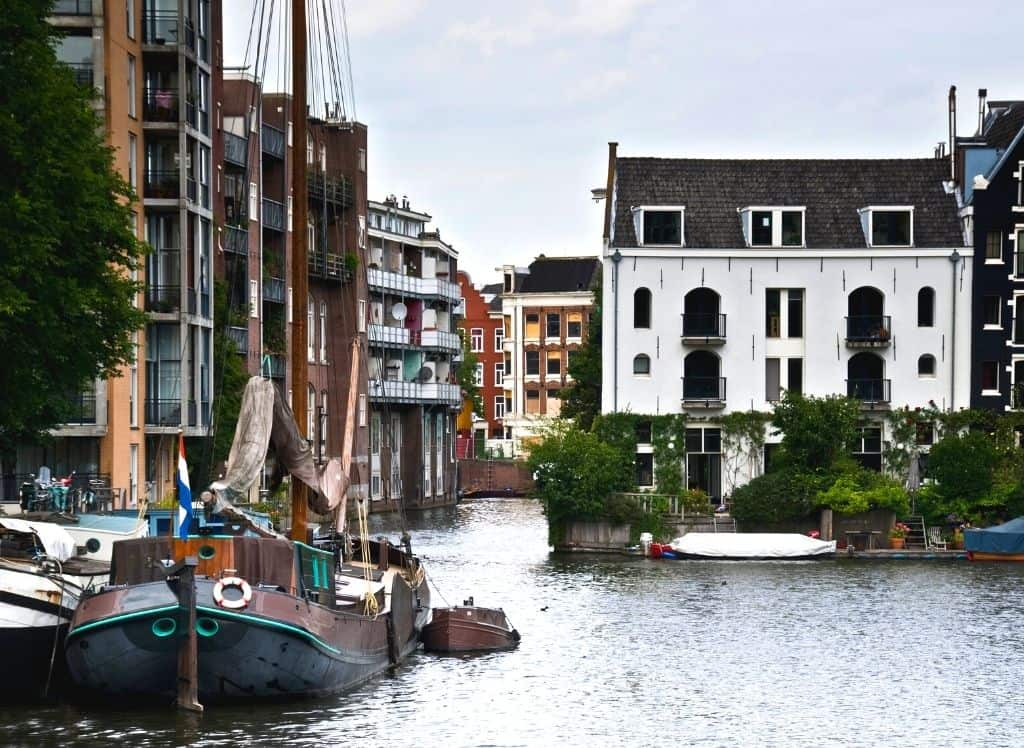 The charming houses and boats of Prinseneiland in Amsterdam.