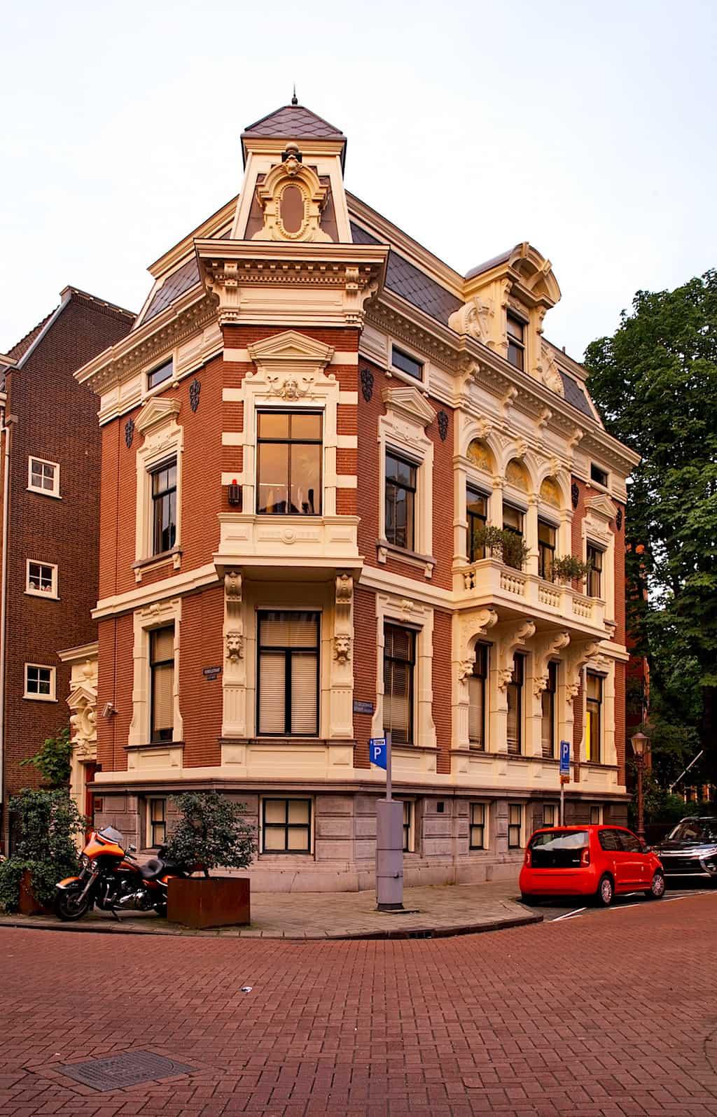 A house on Vondelstraat street in Amsterdam. Netherlands
