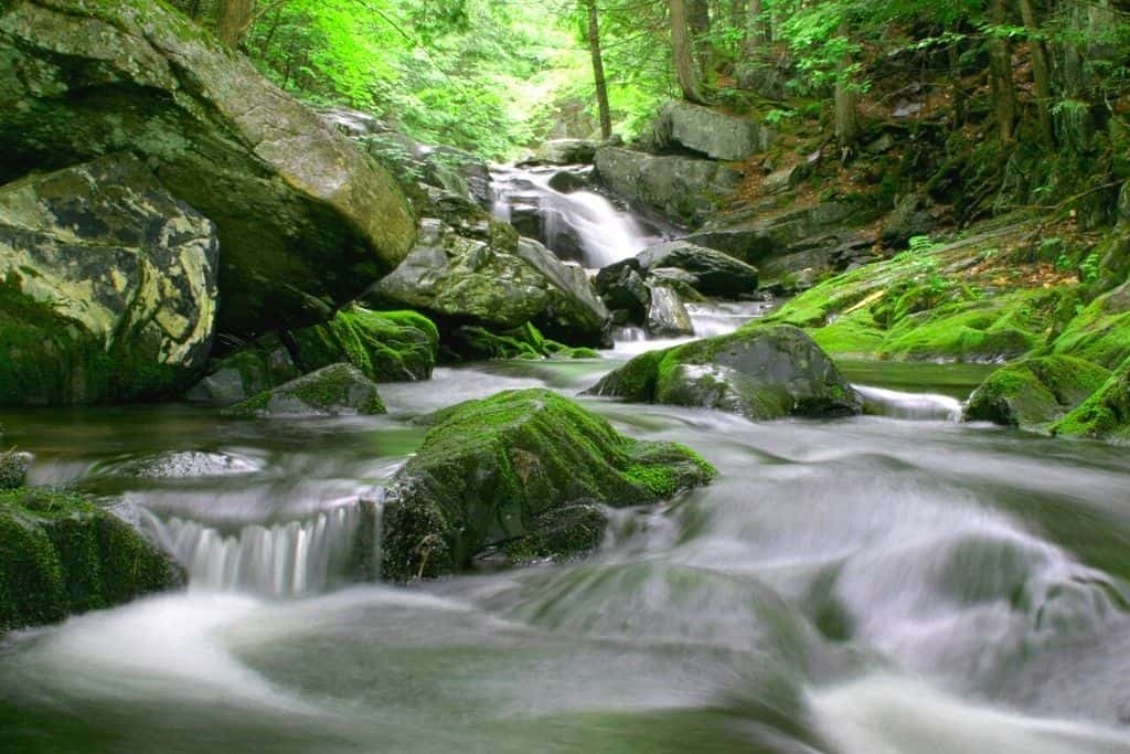 Some of the beautiful waterfalls you'll find near Gulf Hagasin Maine.
