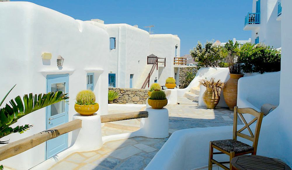 white washed buildings in Mykonos