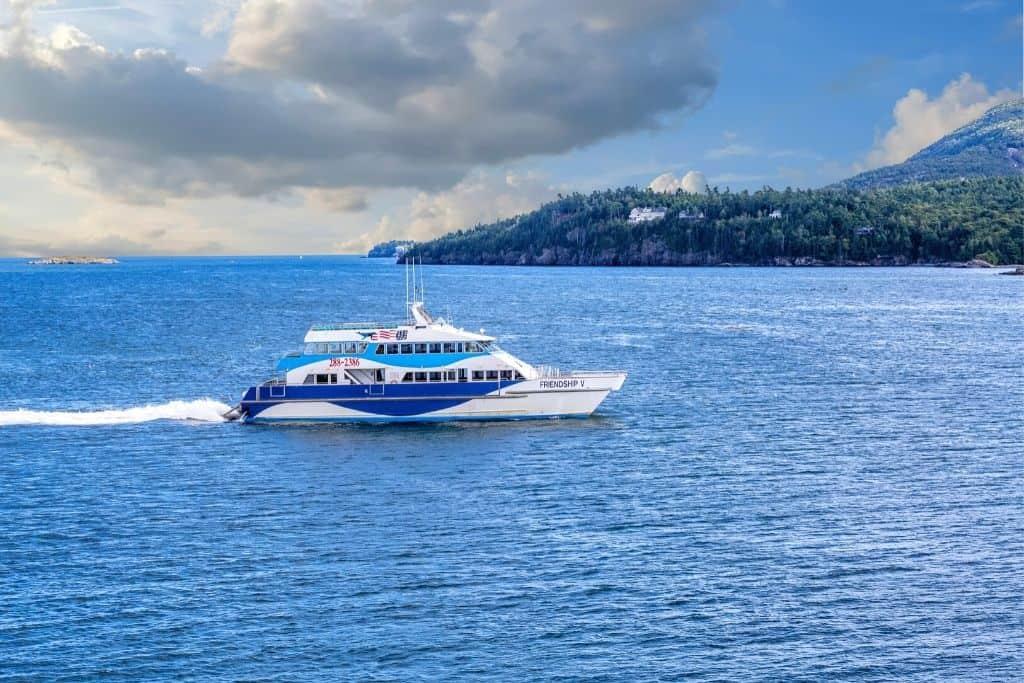 Local cruise ship speeding through Boothbay Harbor.